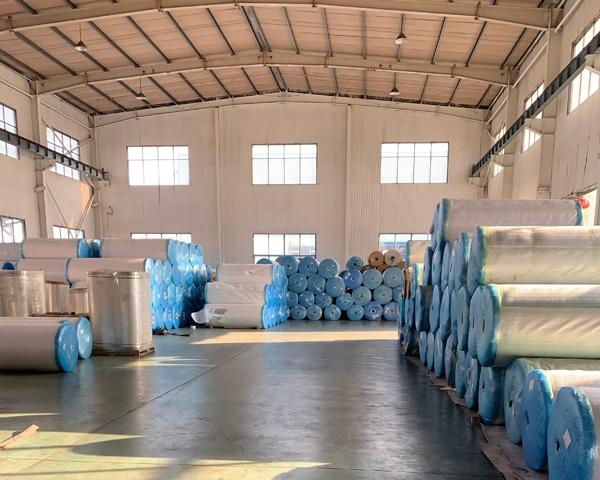 果园苹果反光膜加工生产厂房展示